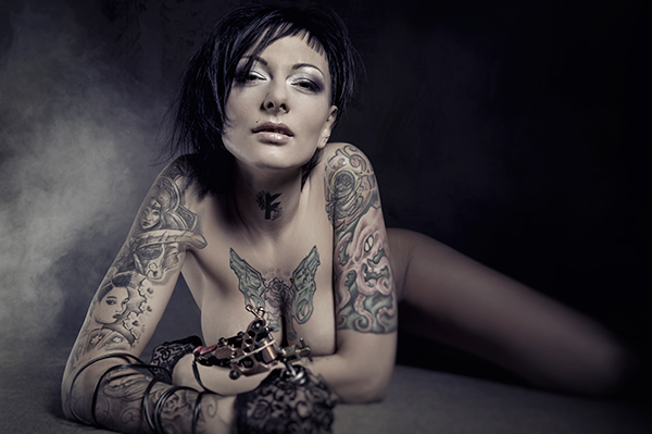 Freches Tattoo Girl durch gebumst